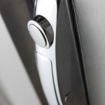 SmartHold_gallery_Holding Cabinet Handle